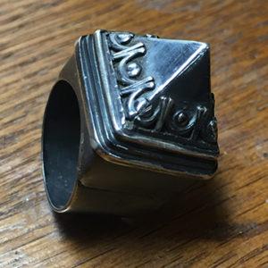 Unique Pyramid Ring