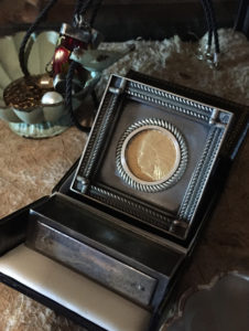 1909 Gold Coin Display Case